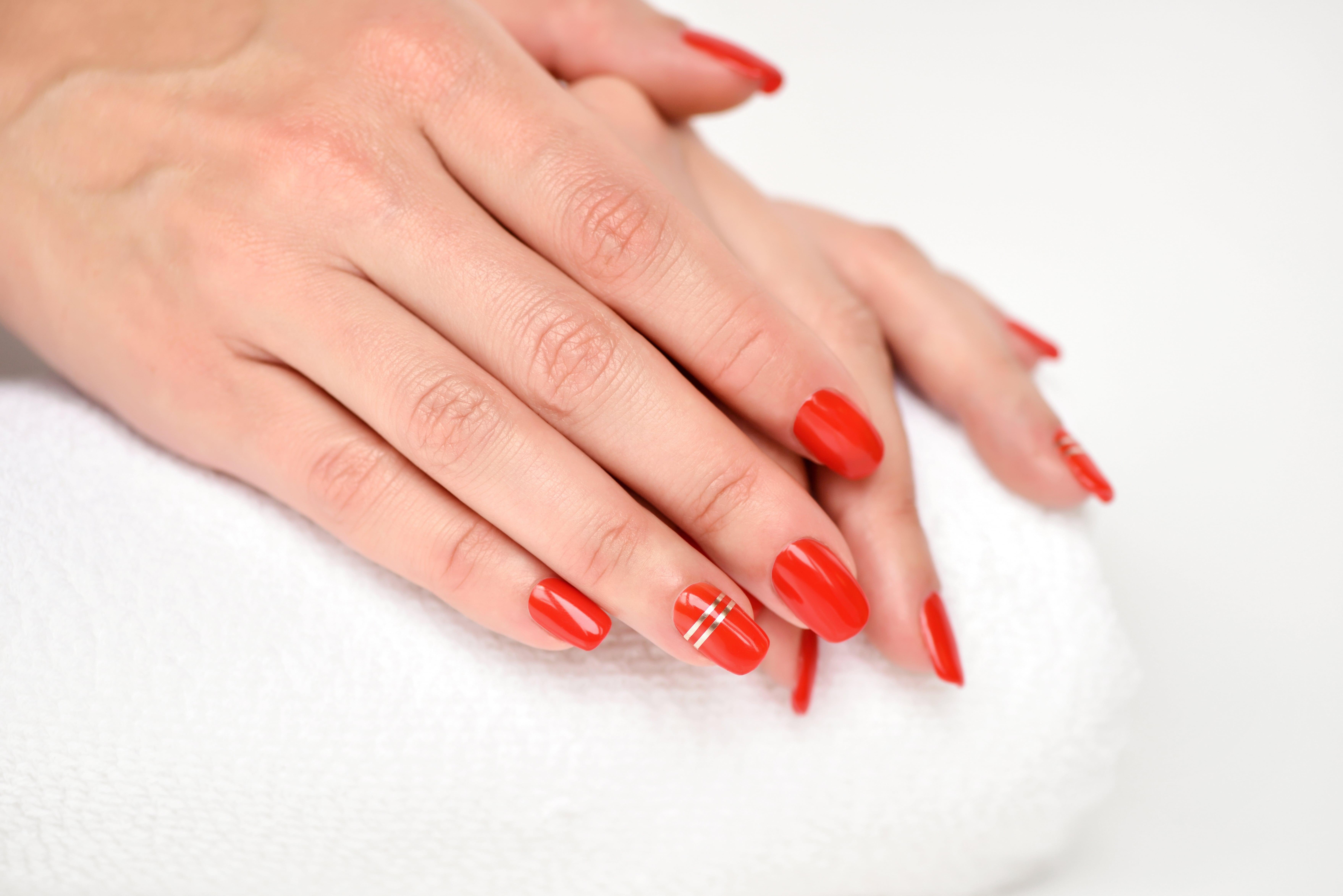 Scopri tutti i segreti della nails art: i corsi per la ricostruzione unghie